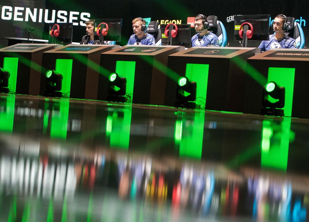 ESL ONE in Hamburg. E-Sport Gamer am Start.